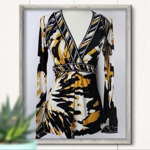 5/$25 BCBGMaxAzria Abstract Print V Neck Top XXS